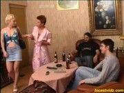 Порно женьщин русских мамаш с сыновьями инстент